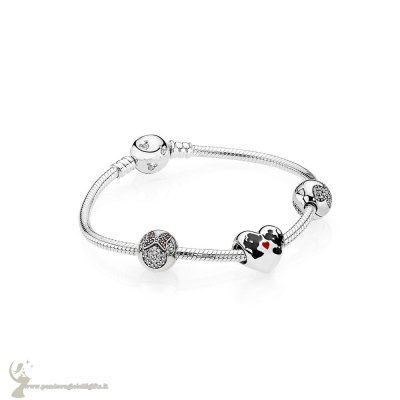 Catalogo Pandora Il Bacio Di Mickey Mouse E Minnie